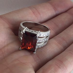 Jewelry - 📌LOWEST📌NWOT .925 SS Faux Ruby CZ Statement Ring